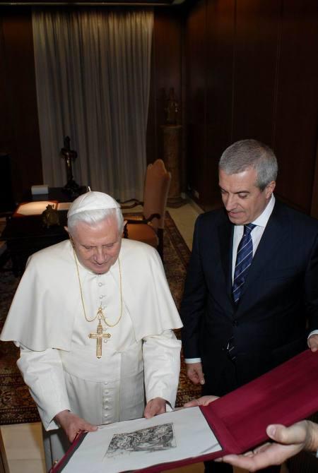 premierul-tariceanu-papa-benedict-vatican-7-nov-07-foto-capp1