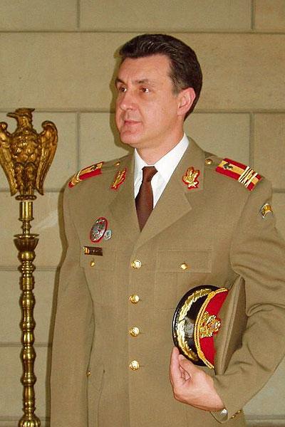 prince-radu-uniforma