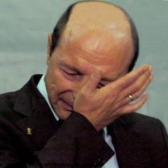 Basescu plange